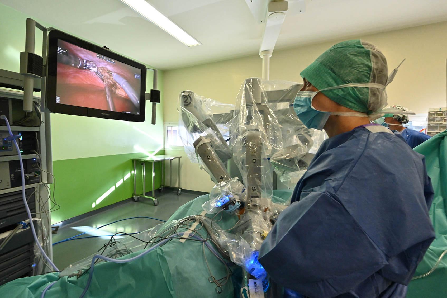 Chirurgie endométriose robotique